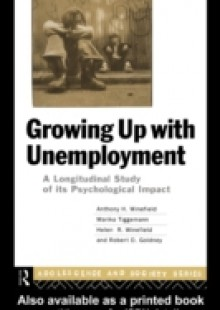 Обложка книги  - Growing Up With Unemployment