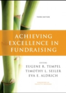 Обложка книги  - Achieving Excellence in Fundraising