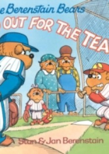 Обложка книги  - Berenstain Bears Go Out for the Team
